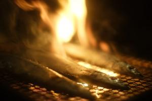 秋と言えばサンマ。サンマと言えば炭火焼